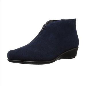 Aerosoles Women's Ankle boots 11M & 8.5W